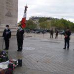 Un instant avant l'arrivée des porte-drapeaux