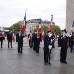 Les drapeaux s'installent derrière le drapeau de la Flamme